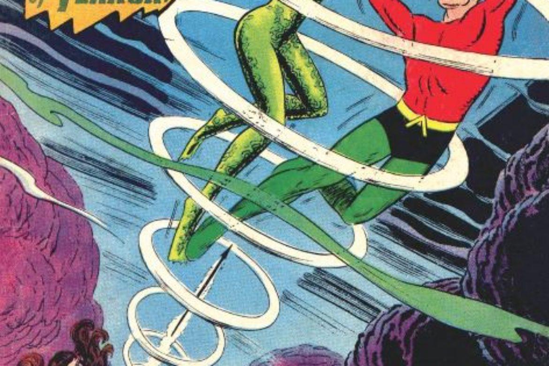 Aquaman takes on the Huntress!